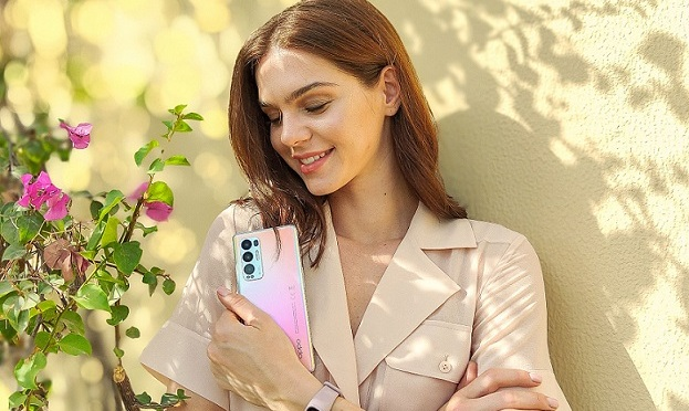 OPPO Reno Glow adds to the glitter and glam of Eid Al Fitr