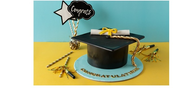 CELEBRATE CLASS OF 2021 WITH CUSTOMIZED CAKES