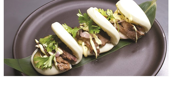 GO WOW WITH BAO AT SIZZLING WOK